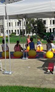 Деца с топки