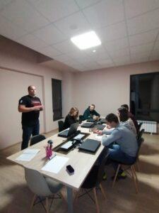 Обучение на доброволците в Елин Пелин